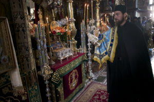 Ковчег с поясом Пресвятой Богородицы в монастыре Ватопед, на Афоне