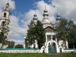 Свято-Троицкий храм с. Острецово
